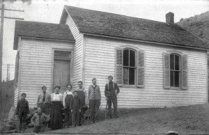 Teacher and students outside Guy Hill Schoolhouse in Golden Gate Canyon, about 1910. Golden History Museums, City of Golden Collection